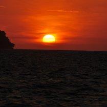 Gaya Island: Off to the horizon